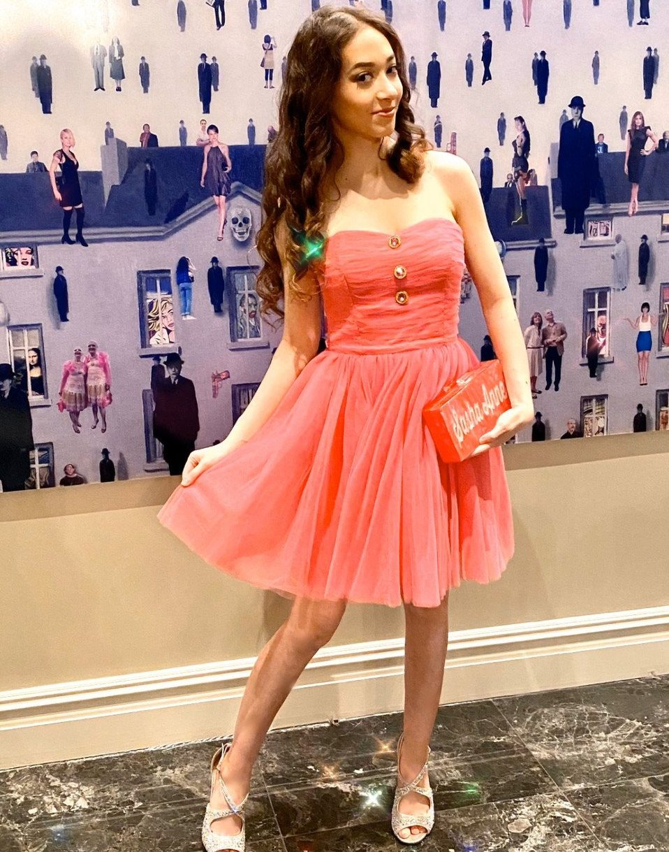 Read more about the article Virtual Prom: Get Ready With Me!